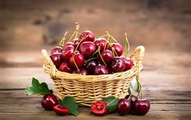 Свежие красные вишни, фрукты, корзина