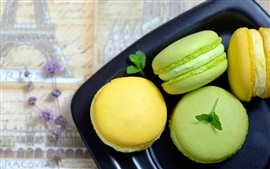 Preview wallpaper Green and yellow macaroons, cake