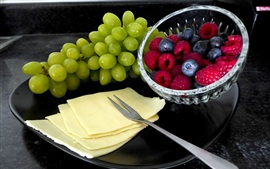 Preview wallpaper Green grapes, raspberry, blueberry, cheese