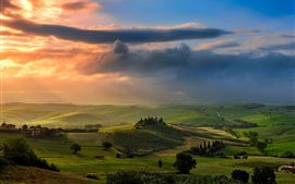 Italy, Tuscany, green fields, valley, clouds, sunset