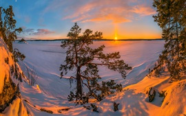 Preview wallpaper Lake Ladoga, Russia, snow, winter, trees, sunset