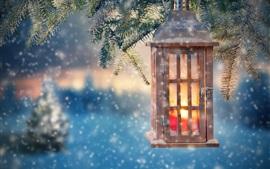 Lanterna, galhos, neve, natal