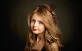 Preview wallpaper Lovely blonde little girl