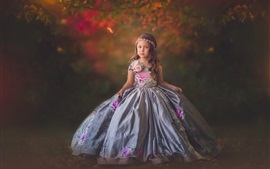 Прекрасная маленькая девочка, ребенок, красивая юбка