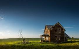 Dakota do Norte, casa velha, grama, céu azul, EUA