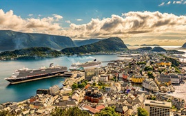 Preview wallpaper Norway, Alesund, city, houses, sea, ships