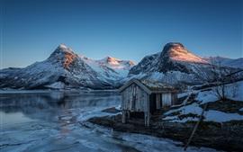 Noruega, montanhas, lago, neve, cabana, noite, pôr do sol