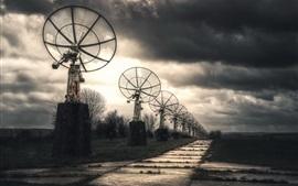 Radar, nubes, anochecer