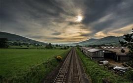 Ferrovia, vila, campos, nuvens, crepúsculo
