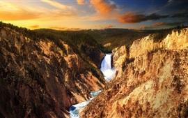 Водопад, лес, скалы
