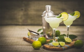 Preview wallpaper Cocktail, glass cup, limes, drink