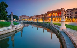 Italia, plaza Prato della Valle, estatuas, agua, río, Padua