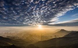 Pico de Kowloon, Hong Kong, manhã de cidade, nuvens, nascer do sol, nevoeiro