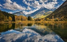 Lago, montanhas, árvores, nuvens, reflexão da água
