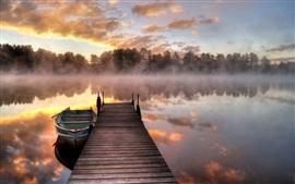 Vorschau des Hintergrundbilder Morgen, Nebel, See, Pier, Boot, Bäume