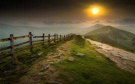 Montanhas, cerca, nevoeiro, nascer do sol