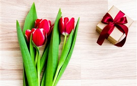 Preview wallpaper Red tulips, gift