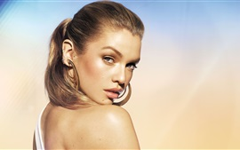 Preview wallpaper Stella Maxwell 01