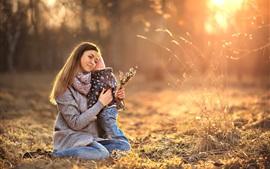 Женщина и ребенок, солнечный свет