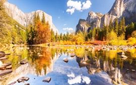 Parque Nacional de Yosemite, hermoso otoño, montañas, lago, piedras, árboles