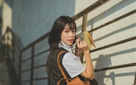 Aperçu fond d'écran Écolière asiatique, cheveux courts