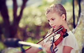 Blonde girl play violin, blue eyes