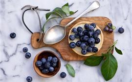 Preview wallpaper Blueberries, pie, spoon, foliga
