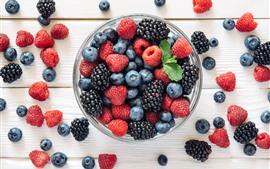 Черника, малина, ежевика, ягоды, фрукты