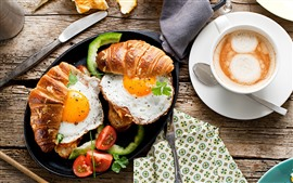 Desayuno, pan, huevos, café