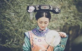 Preview wallpaper Chinese Qing Dynasty Palace Girl