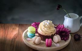 Preview wallpaper Cupcake, macaron, purple flowers