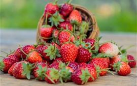 Aperçu fond d'écran Délicieuse fraise, fruit, bol