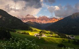 Dolomitas, montanhas, aldeia, nuvens, Itália