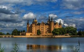 壁紙のプレビュー ドイツ、シュヴェリーン、城、川、木々、草、夕暮れ