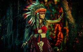 Chica de estilo de India, plumas, decoración