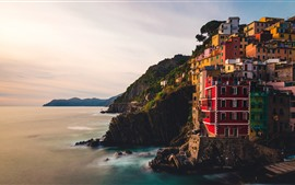 Italy, Riomaggiore, Liguria, sea, village, cliff, morning