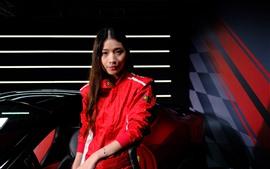 Vorschau des Hintergrundbilder Asiatisches Mädchen des langen Haares, rote Kleidung