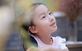 Preview wallpaper Lovely little girl, hazy