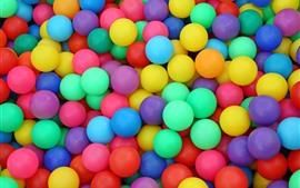 Aperçu fond d'écran Beaucoup de balles colorées