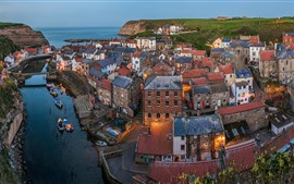 Preview wallpaper North Sea, North Yorkshire, England, village, houses, river, dusk