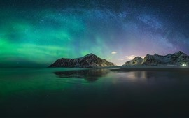 Preview wallpaper Northern lights, Iceland, mountain, sea, night