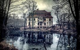 壁紙のプレビュー 古い家、木、池