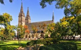 壁紙のプレビュー プラハ、チェコ共和国、教会、木々、芝生