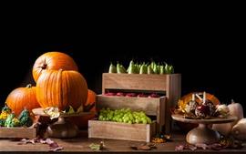 Calabaza, uvas, manzanas, peras, fruta