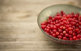 Preview wallpaper Red currants, plate