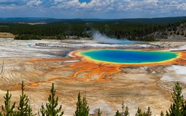 Preview wallpaper Beautiful Yellowstone National Park, forest, lake, USA