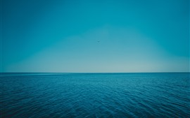 Mar azul, olas, horizonte, cielo