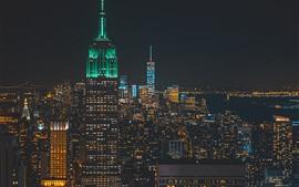 Cidade, noite, arranha-céus, edifícios, luzes