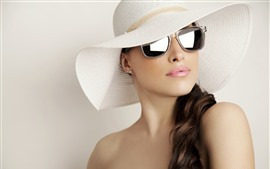 Preview wallpaper Curly hair girl, hat, sunglass