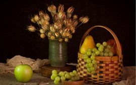 Green grapes and apple, pear, flowers